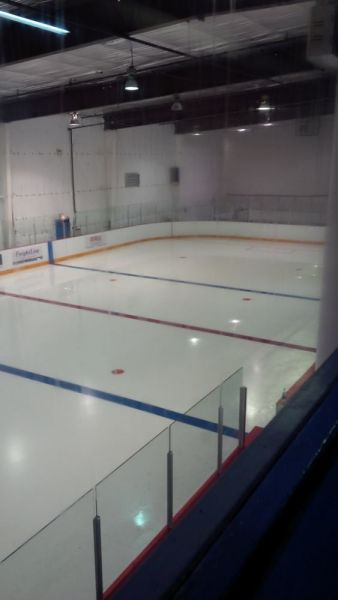 Centre-Ice-124